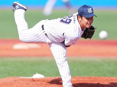 小川投手が先発し、6回1失点