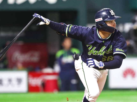吉田大成選手が一時勝ち越しとなるタイムリー