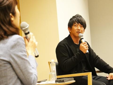 今浪隆博氏のトークショーを開催!