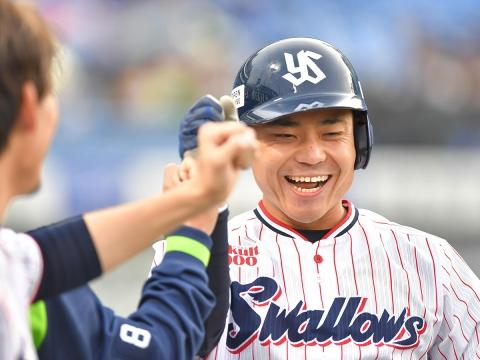 中村選手が先制の1号ソロ!