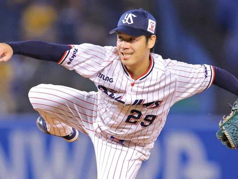 小川投手が7回2失点で今シーズン6勝目