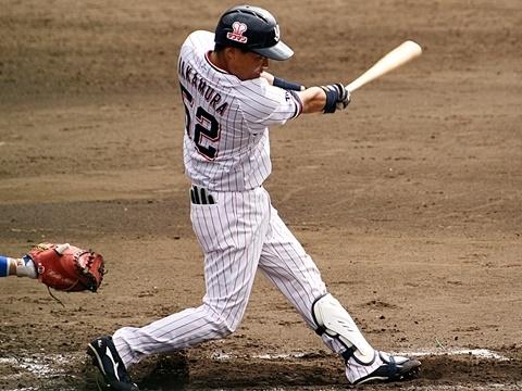 中村選手が先制タイムリー含む2二塁打!