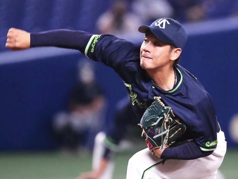 小川投手が8回途中5安打3失点(自責点1)